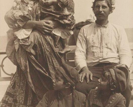 família cigana da Sérvia
